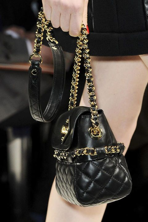 MOSCHINO FALL 2012 RTW DETAILS 003