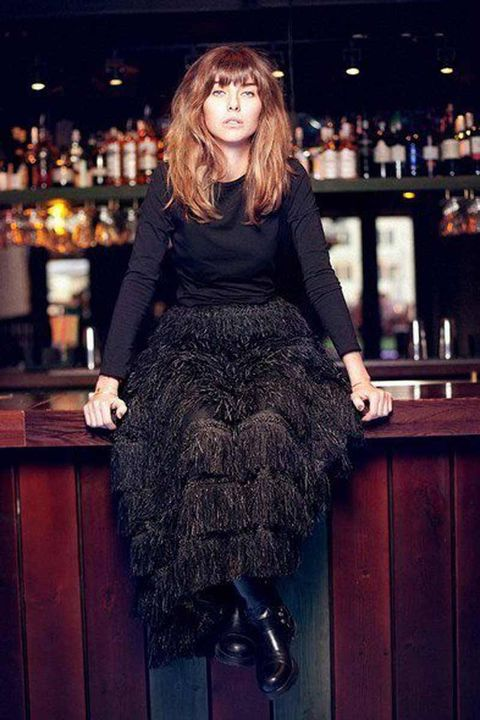 Style, Barware, Drinking establishment, Long hair, Red hair, Street fashion, Natural material, Pub, Fur, Tavern,