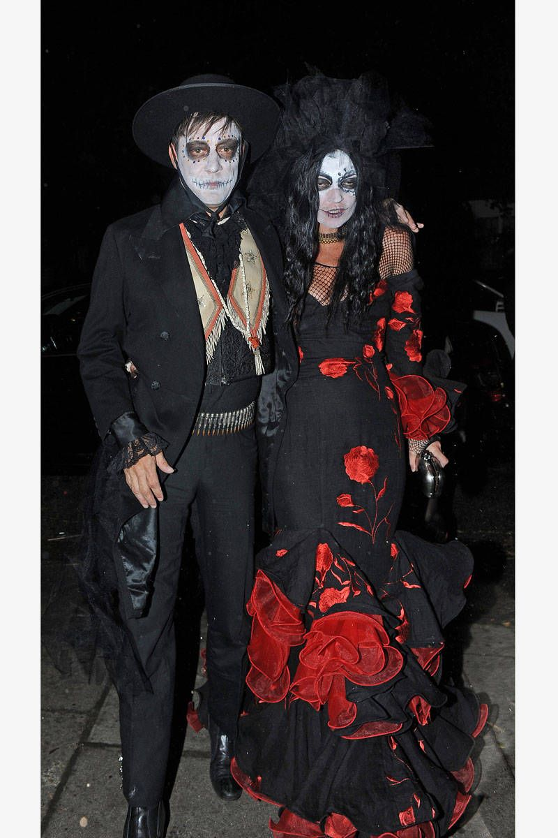 Best Celebrity Halloween Costumes - Hollywood and Fashion Halloween Costumes  sc 1 st  Elle & Best Celebrity Halloween Costumes - Hollywood and Fashion Halloween ...