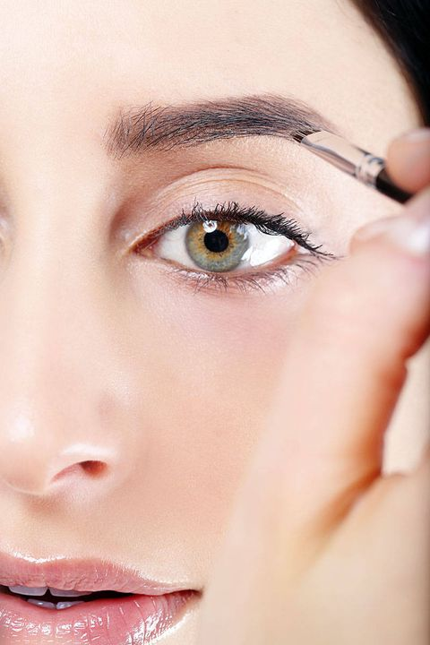 How To Fill In Eyebrows 8 Easy Steps To Thick Eyebrows Using Makeup