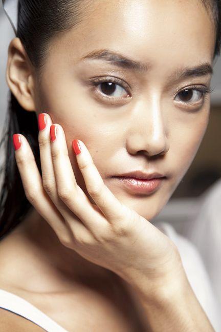 Finger, Lip, Cheek, Brown, Hairstyle, Skin, Forehead, Eyelash, Eyebrow, Style,