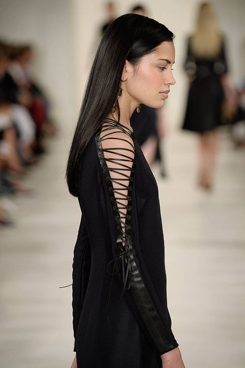 Hairstyle, Sleeve, Shoulder, Joint, Fashion show, Style, Street fashion, Fashion model, Black hair, Fashion,