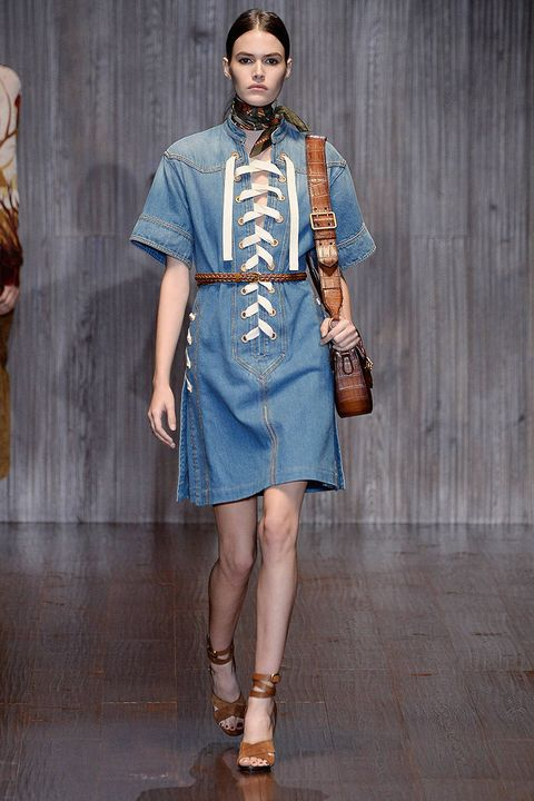Clothing, Sleeve, Shoulder, Textile, Joint, Style, Collar, Fashion accessory, Street fashion, Fashion,