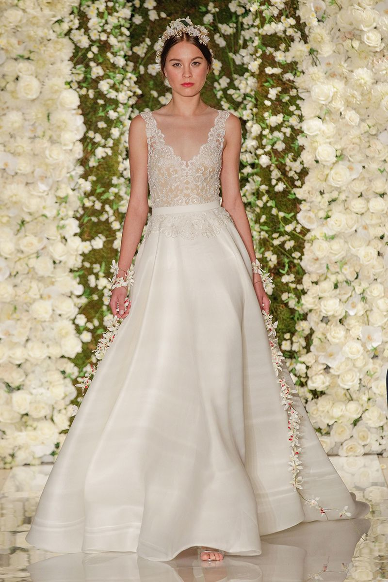 Fall 2015 wedding dresses best fall wedding gowns at bridal fall 2015 wedding dresses best fall wedding gowns at bridal fashion week ombrellifo Image collections