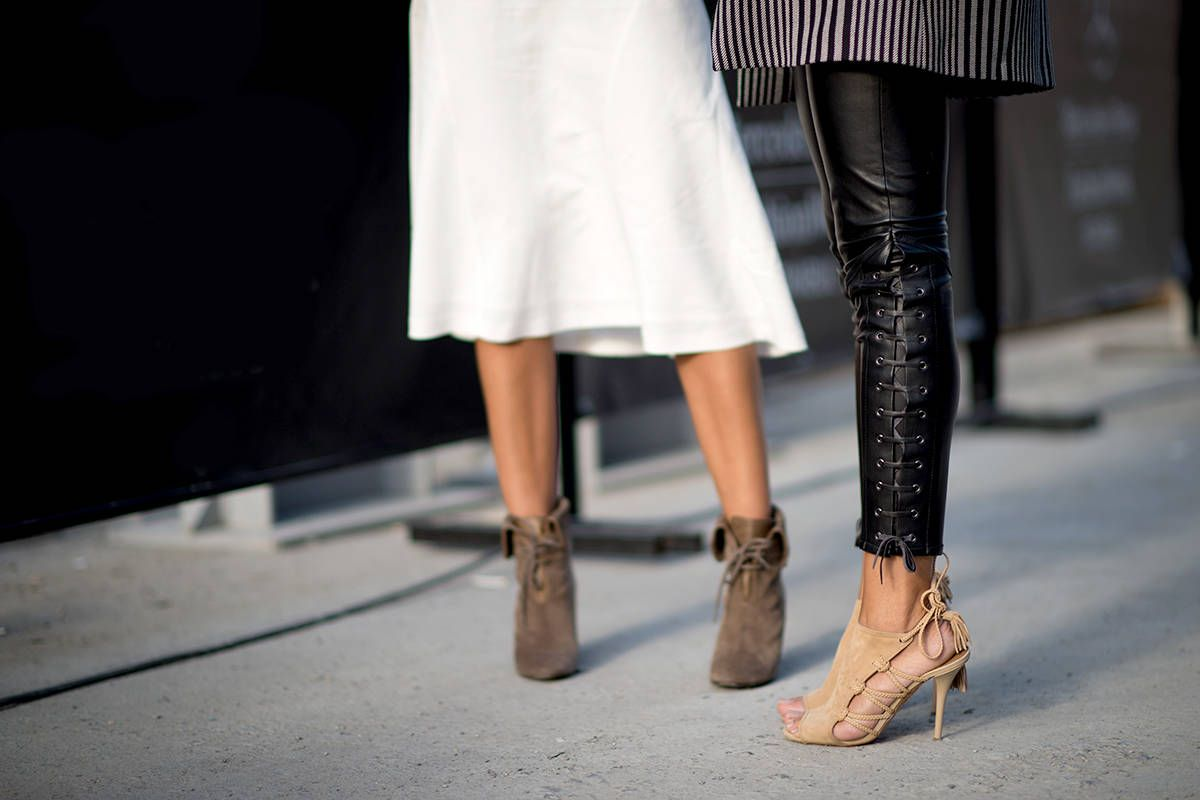 53e587c544 8 Surprising Ways ELLE Editors Fake Leaner Legs. Styling tips from a pack of  ...