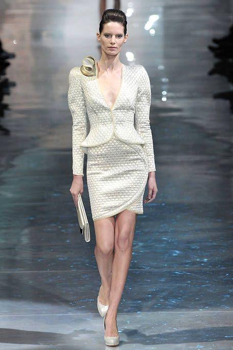Clothing, Leg, Fashion show, Human body, Human leg, Shoulder, Joint, Fashion model, Style, Runway,