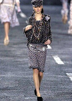 Chanel Fall 2004 Ready&#45&#x3B;to&#45&#x3B;Wear Collections 0001
