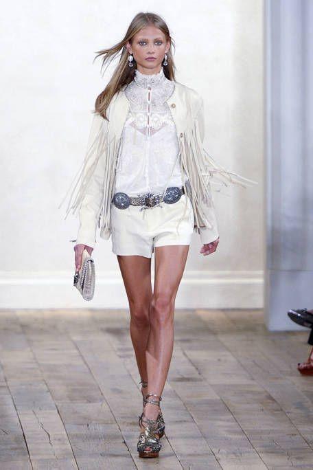 Product, Outerwear, White, Style, Fashion accessory, Street fashion, Fashion, Beauty, Knee, Bag,