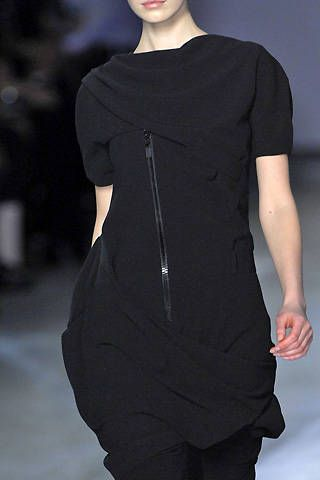 Hussein Chalayan Fall 2008 Ready-to-wear Detail - 001