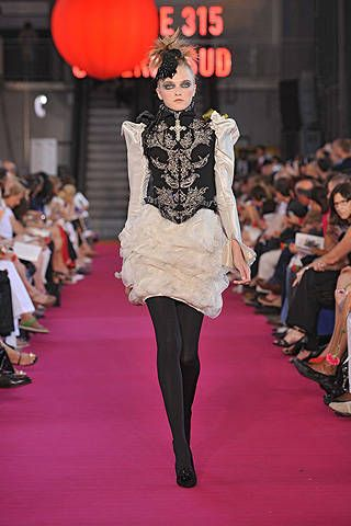 Christian Lacroix Fall 2008 Haute Couture Collections - 001
