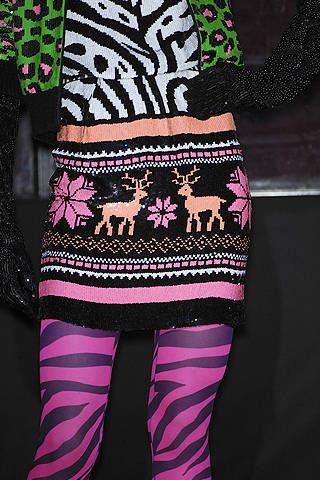 Textile, Pink, Magenta, Sock, Costume accessory, Pattern, Art, Wool, Creative arts, Woolen,