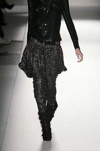 Textile, Joint, Style, Fashion, Waist, Black, Leather, Street fashion, Fashion design, Visual arts,
