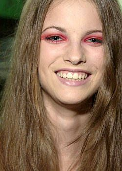 Elspeth Gibson Spring 2004 Ready-to-Wear Backstage 0001