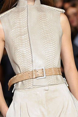 Julien Macdonald Spring 2009 Ready-to-wear Detail - 001