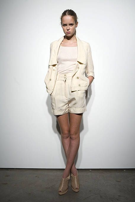 Leg, Brown, Sleeve, Human leg, Shoulder, Joint, Outerwear, Collar, Fashion show, Style,