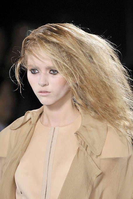 Clothing, Lip, Hairstyle, Style, Eyelash, Street fashion, Fashion, Beauty, Blond, Fashion model,