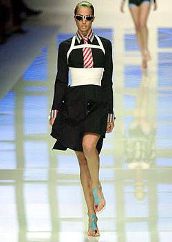 Versus Spring 2004 Ready-to-Wear Collections 0001