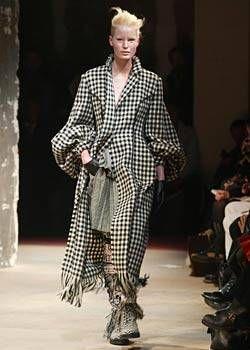Yohji Yamamoto Fall 2003 Ready&#45&#x3B;to&#45&#x3B;Wear Collections 0001