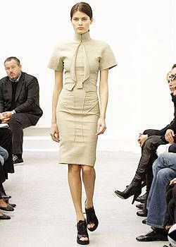 Balenciaga Spring 2004 Ready-to-Wear Collections 0001
