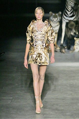 Alexander McQueen Spring 2009 Ready-to-wear Collections - 001