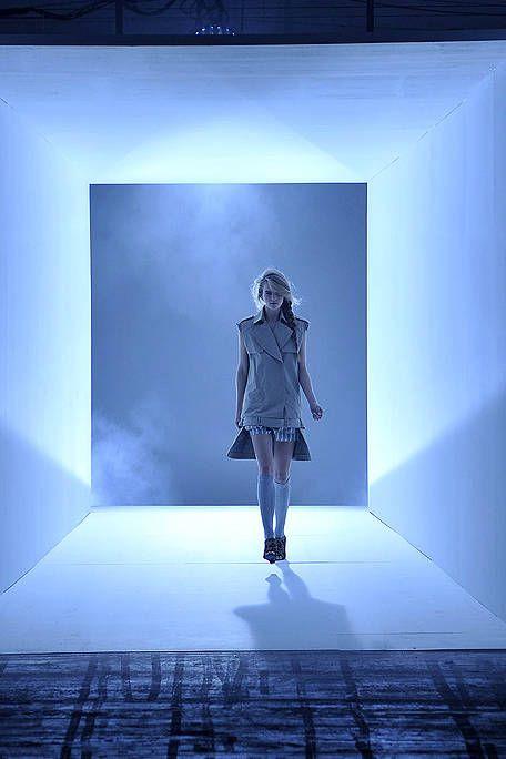 Blue, Sleeve, Standing, Style, Floor, Denim, Electric blue, Street fashion, Jacket, Cobalt blue,