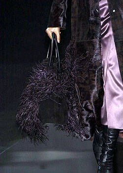 Giorgio Armani Fall 2004 Ready-to-Wear Detail 0001