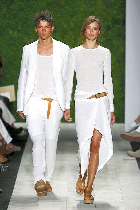 Footwear, Sleeve, Joint, Outerwear, White, Fashion show, Style, Formal wear, Runway, Fashion model,