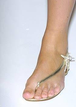 Jeffrey Chow Spring 2005 Ready&#45&#x3B;to&#45&#x3B;Wear Detail 0001