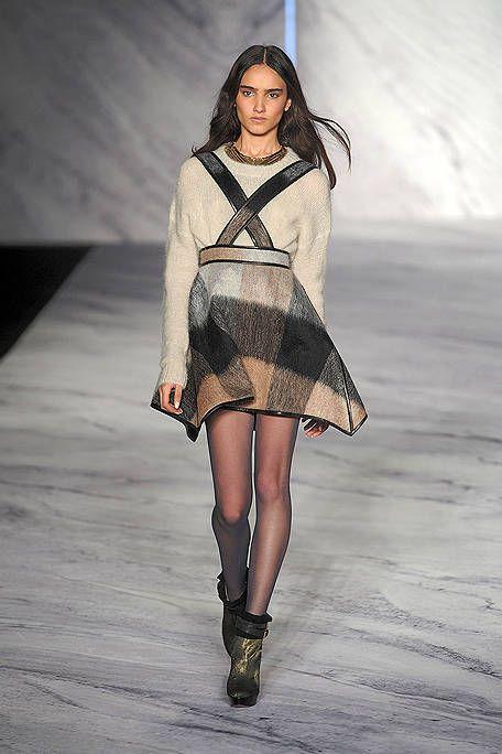 Clothing, Human, Dress, Fashion show, Style, Fashion model, Runway, Knee, Costume design, Fashion,