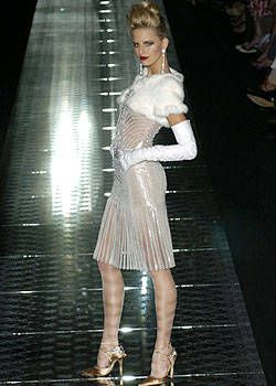 Valentino Fall 2004 Haute Couture Collections 0001