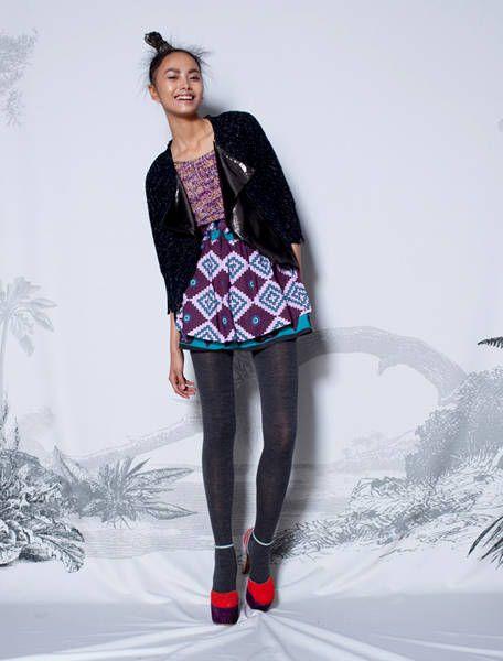 Sleeve, Shoulder, Textile, Winter, Standing, Style, Knee, Pattern, Fashion, Blazer,