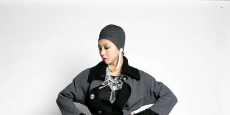 Clothing, Sleeve, Textile, Collar, Joint, Outerwear, Style, Cap, Knee, Street fashion,