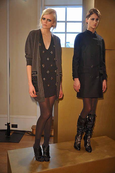 Clothing, Footwear, Leg, Sleeve, Collar, Joint, Outerwear, Style, Knee, Pattern,