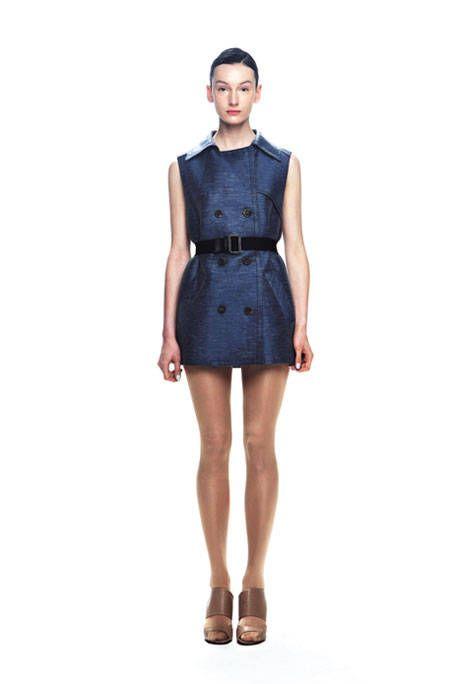 Clothing, Sleeve, Shoulder, Human leg, Collar, Textile, Joint, Dress, Waist, Style,