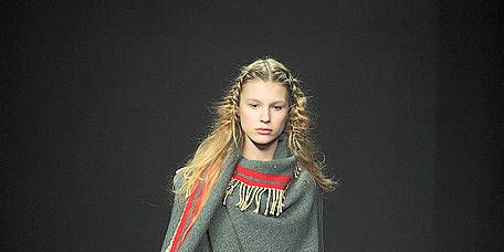 Fashion show, Style, Fashion model, Runway, Fashion, Costume design, Street fashion, Model, Long hair, Haute couture,