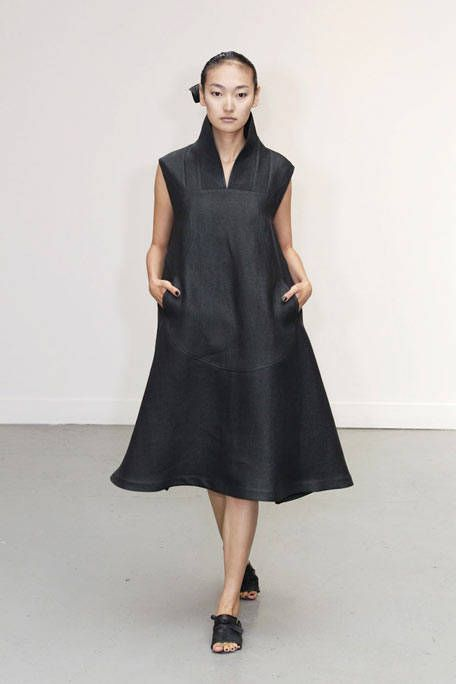Clothing, Sleeve, Dress, Shoulder, Textile, Standing, Joint, Collar, One-piece garment, Formal wear,