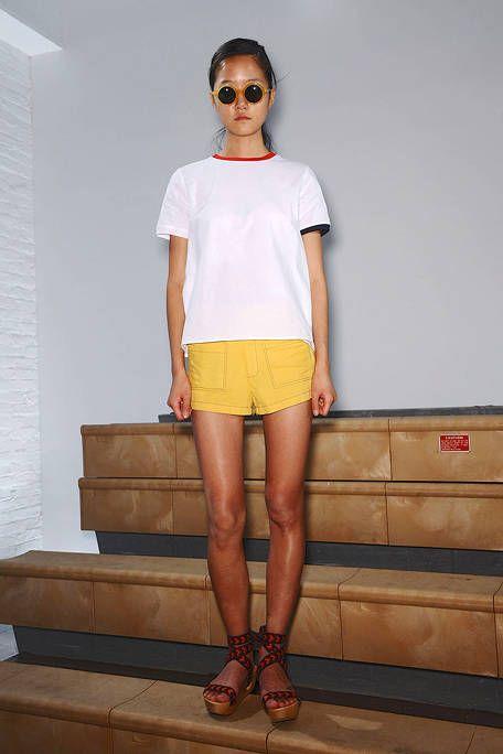 Clothing, Eyewear, Leg, Brown, Human leg, Shoulder, Joint, White, Sunglasses, Fashion accessory,