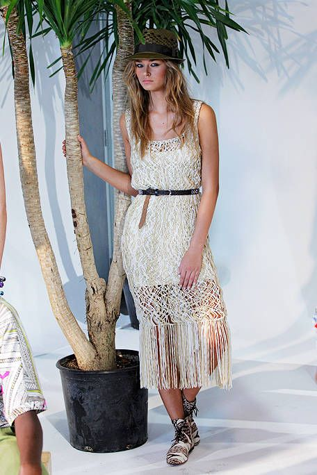 Clothing, Style, Waist, Dress, Fashion accessory, Street fashion, Fashion, One-piece garment, Fashion model, Day dress,