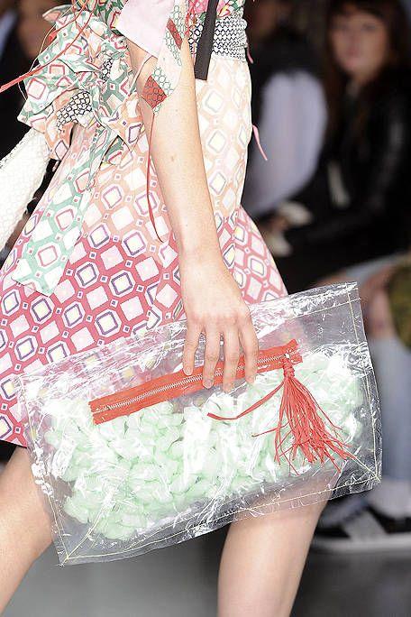 Pattern, Fashion, Bag, Peach, Street fashion, Design, Fashion design, Shoulder bag, Embellishment, Day dress,