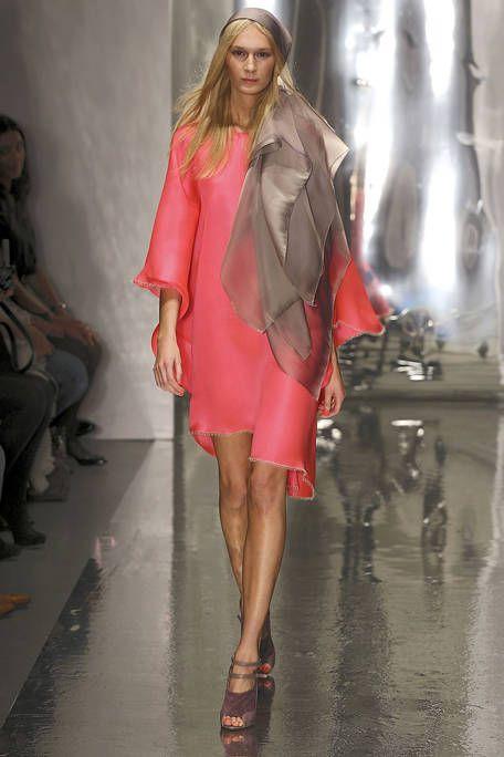 Leg, Human body, Human leg, Joint, Fashion show, Style, High heels, Fashion model, Runway, Dress,