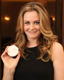 Alicia Silverstone Brings Her Green Lifestyle to Beauty