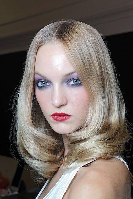 Lip, Hairstyle, Chin, Eyebrow, Eyelash, Beauty, Eye shadow, Blond, Eye liner, Long hair,
