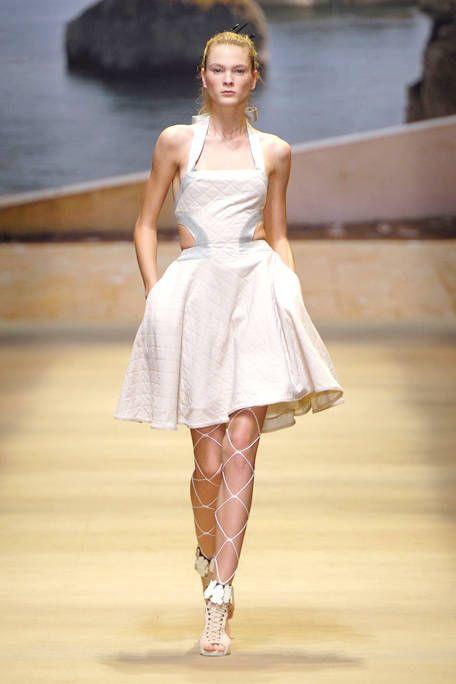 Shoulder, Dress, One-piece garment, Fashion model, Fashion show, Fashion, Day dress, Model, Cocktail dress, Runway,