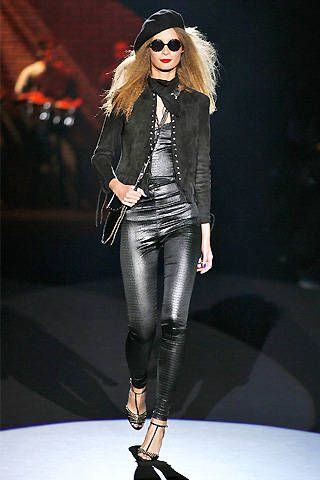 Betsey Johnson Fall 2008 Ready-to-wear Collections - 001