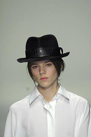 Gianfranco FerrÃ{{{copy}}} Fall 2008 Ready-to-wear Detail - 001
