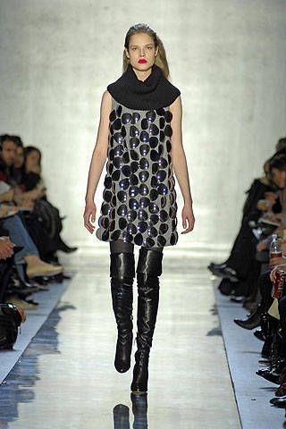 Footwear, Fashion show, Shoulder, Runway, Joint, Fashion model, Style, Dress, Fashion, Model,