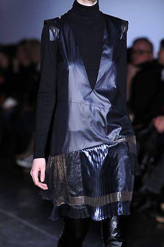 Veronique Branquinho Fall 2008 Ready&#45&#x3B;to&#45&#x3B;wear Detail &#45&#x3B; 001