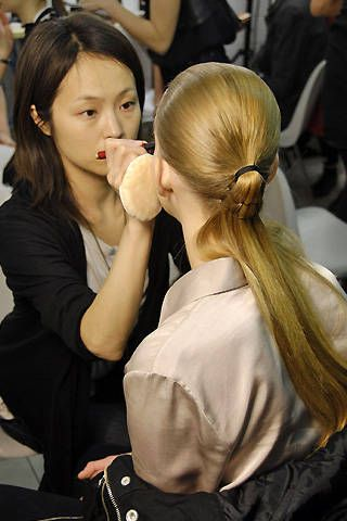 Anne ValÃ{{{copy}}}rie Hash Fall 2008 Ready-to-wear Backstage - 001