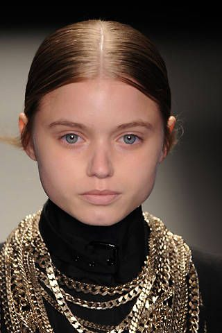 Givenchy Fall 2008 Ready&#45&#x3B;to&#45&#x3B;wear Detail &#45&#x3B; 001