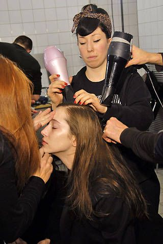 Akris Fall 2008 Ready-to-wear Backstage - 001